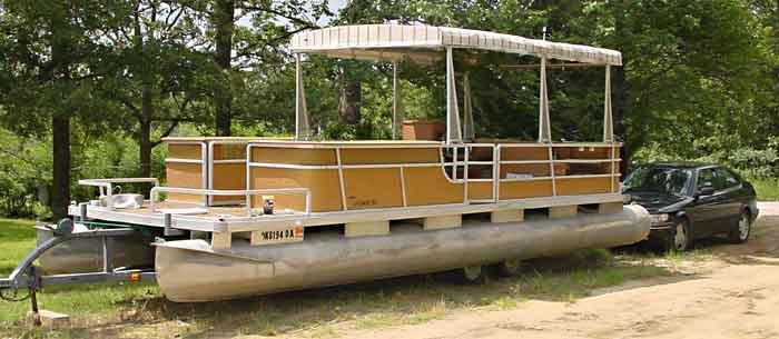Ma bought this pontoon boat ... & Pontoon boat